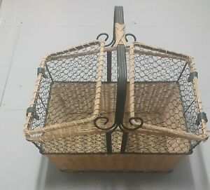 Vintage Wicker Basket With Handle And Closed Top -Rare.