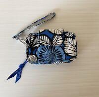 Vera Bradley Floral Quilted Bifold Small Wristlet Zip Wallet Blue