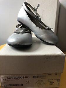 Gucci Girls Silver Flats Size EU 23/ US 7 Originally $360