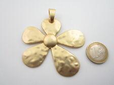 1 grande ciondolo centrale fiore in zama placcato oro satinato  di 77 x 68 mm