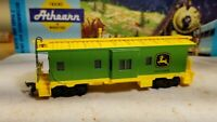 HO Athearn John Deere Tractors advertising caboose train Moline Illinois