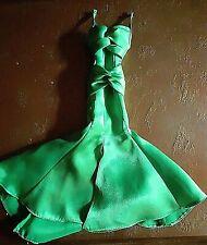 Barbie Collector grünes Kleid.