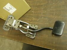 NOS OEM Ford 2004 2005 Thunderbird Brake Pedal Assembly T-Bird