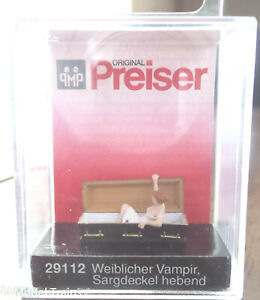 Preiser HO #29112 Female vampire (Figure) w/Casket (1:87th Scale) Painted
