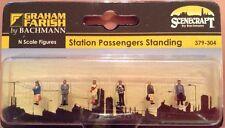 Graham Farish 379-304. Station Passengers Standing. N Scale.