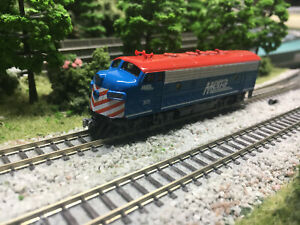 N Scale Kato F7A Metra 305 custom painted New