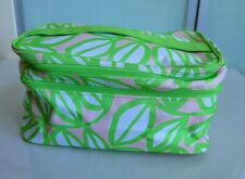 Pretty Cliqui Wash bag open wide in Green