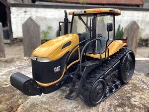 1/32 scale Norscot 55075  Caterpillar Challenger MT765 Tractor Traktor tracteur