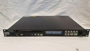 """Denon DN-C640 * CD Player * RS232 Remote * symmetrische Ausgänge * 19"""" Zoll"""