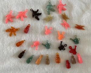 25 pcs Vtg Plastic Gum Machine Toy Charms Clown Bird Bottle Watering-cans LOT A
