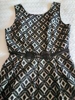 REVIEW BEAUTIFUL BLACK AND NUDE FIT N FLARE DRESS WITH BOW SIZE 10.