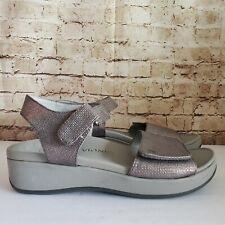 "Vionic ""Raz "" Gray /Pewter Metallic Adjustable Ankle Strap Wedge Sandals Size 9"