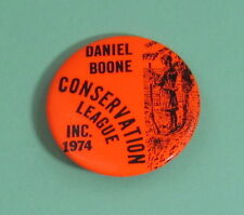 1974 Daniel Boone Wisconsin Conservation Hunting Pin Button...Free Shipping!