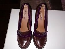 UK 4 FIT BROWN/PLUM PATENT LEATHER BLOCK HEEL COURT SHOES 'ATMOSPHERE'