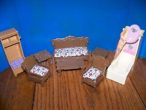 mixed lot of miniature dollhouse furniture