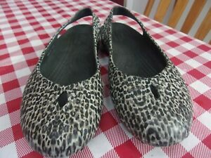 Crocs Black, White & Gray Leopard Sling back Shoes Women's US Size 7 Pre-owned