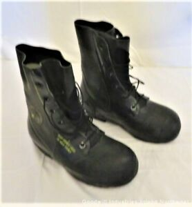 GENUINE VINTAGE BATA MICKEY MOUSE MILITARY COLD WEATHER BOOTS SIZE 7 XN  EUC