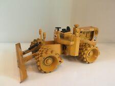 Caterpillar 825 B compactor de NZG 135 en 1:50