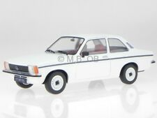 Opel Kadett C2 2-Türer 1977 weiss Modellauto 1800120 T9 1:18