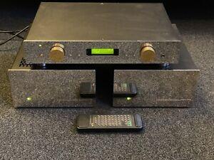 AVM Evolution High End Kombi Mono Endstufen M1 und Vorverstärker V2  Stereoplay