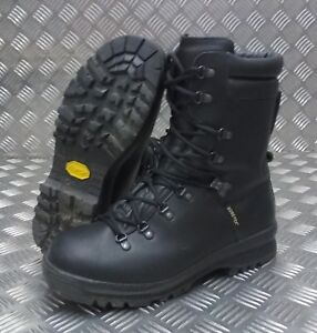 Genuine British Military Goretex Cold Wet Weather Assault Black Leather Boots