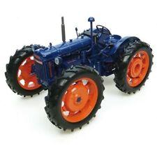 Universal Hobbies Traktoren Modelle