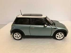 Danbury Mint kyosho 1/18 Austin BMW Mini Cooper 2001 green white top