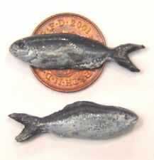 1:12 Scale Two Polymer Clay Fish For Dolls House Kitchen Shop Pet Accessories N