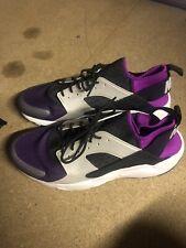 Nike Huarache Size 11