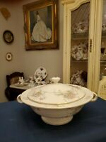 "THEODORE HAVILAND NEW YORK ""APPLE BLOSSOM"" ROUND COVERED VEGETABLE DISH.   Mint!"