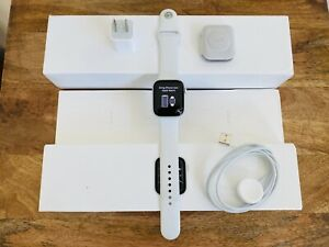 Apple Watch Series 5 44mm White Band (Cracked)-WORKS GREAT