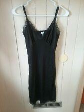 Vintage Black Mel-Lin Full Slip size 32
