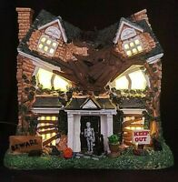 Lemax Spooky Town MONSTER ON MAPLE STREET #65076 Lighted House BRAND NEW