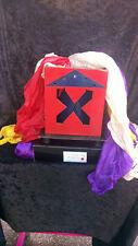 Fantasta ou boîte à apparition en magie d'objets avec set de foulards fournis