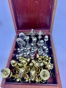 VINTAGE SET OF CHESS PIECES WITH BOX