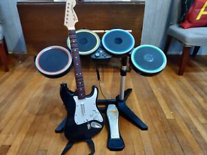 Rock Band 4 - XBOX ONE - Fender Guitar, Drum Set and Pedal, and Microphone