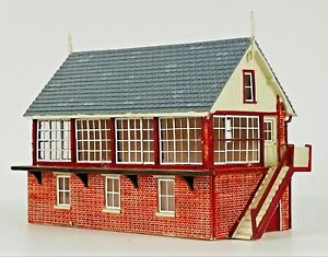 HORNBY 00 GAUGE SKALEDALE - R9635 - GREAT NORTHERN SOUTH SIGNAL BOX - UNBOXED