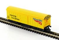 Gaugemaster GM2420101 N Gauge Network Rail Track Cleaning Wagon