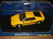 1:43 Auto Art - LOTUS ESPRIT TURBO 1981