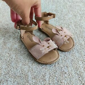 Old Navy Toddler Girl Mouse Beige Animal Sandals Size 6T