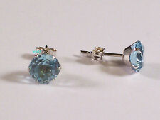 New Boxed Ladies 9ct 9Carat White Gold Blue Topaz Studs Earrings 6mm Hallmarked