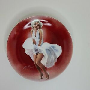 Marilyn Monroe Collector's Plate - 7 Year Itch - Delphi -All Original Packaging