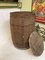 Vintage Wooden Nail Keg Barrel Farm Primitive Rustic Storage wood Basket & Lid