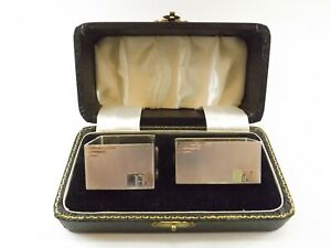 VINTAGE PAIR OF SILVER NAPKIN RINGS / BOXED HALLMARKED BIRMINGHAM 1961 REF 54/5