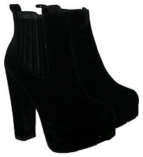 LADIES BLACK FAUX SUEDE PULL ON ANKLE BOOT WITH SIDE GUSSET IN SIZE 7
