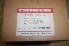 HONEYWELL - Power SUPPLY #R7305A 1004 120 Volt, 60 Cycle NEW Old Stock Heat only