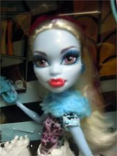 Monster High Art Class Festival Doll Abbey Bominable Sculpture Chainsaw Ice NEW