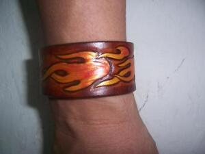 Flame leather wristband bracelet hand carved leather Crafts MIT 巧將 火焰皮雕手環送禮可以刻字