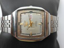 RARE VINTAGE S STEEL SQUARE DIAL SEIKO 5 D DATE GENTS MENS AUTOMATIC WRISTWATCH