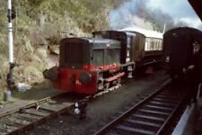 PHOTO  RUSTON & HORNSBY DIESEL SHUNTER WORKS NUMBER 414304 IS FULL OF LIFE AT BE